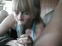 یک مدل پورنو جوان با عکس های بکنبکن داغ شدن و داشتن رابطه جنسی با مردان ، مردان را اغوا می کند