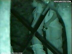 بلوند زرق و برق عکسهای بکنبکن دار جوان اجازه می دهد تا یک مرد سیاه پوست خود را با دیک سوراخ کند