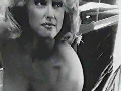 عوضی جوان بیدمشک با شور و هیجان از بیدمشک خویش در فلم سکس بکن بکن خانه آویزان می شود