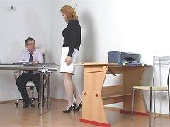 خانم سکس بکنبکن بالغ به دختر جوان می آموزد که چگونه یک شلخته جذاب